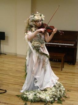 violin girl